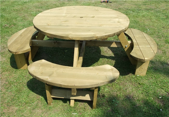 Winchester Treated round 8 Seater Table